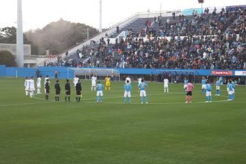 14時46分の黙祷に続き、試合開始前に再度、黙祷を捧げる