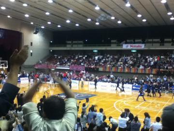 「第3戦」で秋田に勝利し、カンファレンス決勝に進出!