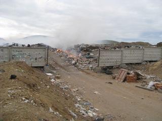 ゴミ集積所 入り口