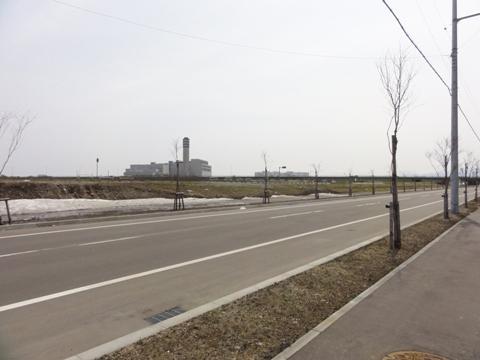 道路際の残雪(2012.04.22)