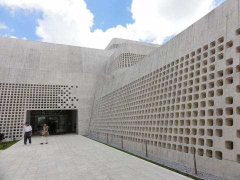 沖縄県立博物館美術館04(2012.08.12)