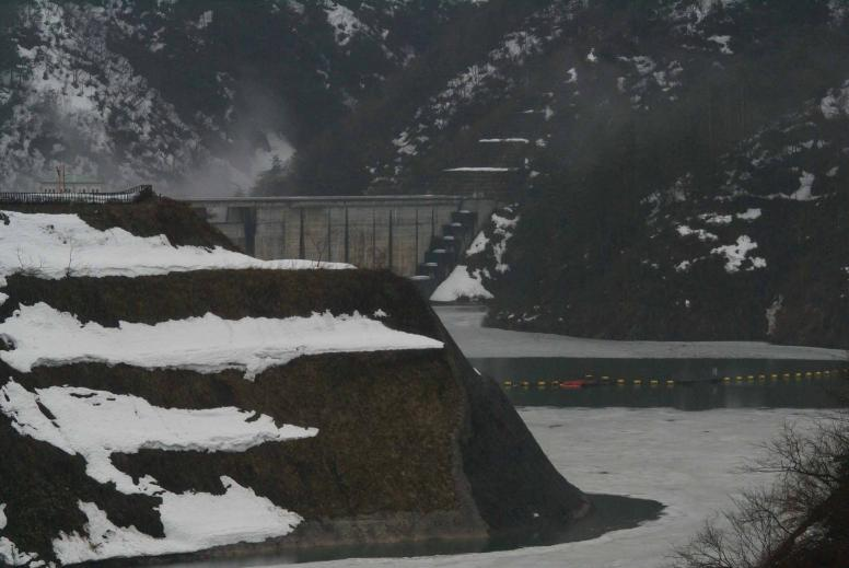 姉川ダム1