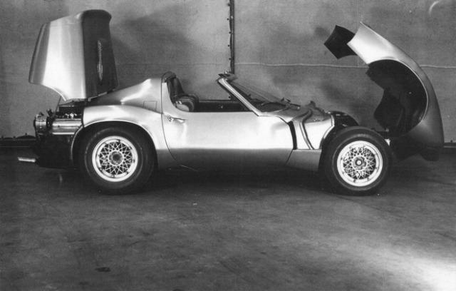 1964_Chevrolet_Corvette_XP-819_Rear_Engine_02.jpg