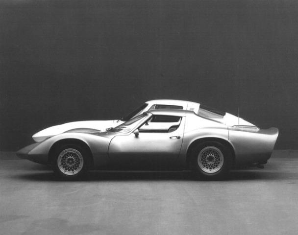 1964_Chevrolet_Corvette_XP-819_Rear_Engine_03.jpg