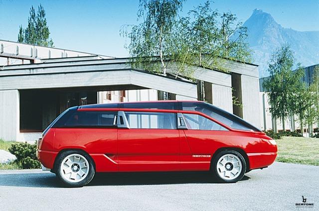 1988_Bertone_Lamborghini_Genesis_02.jpg