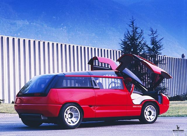 1988_Bertone_Lamborghini_Genesis_03.jpg