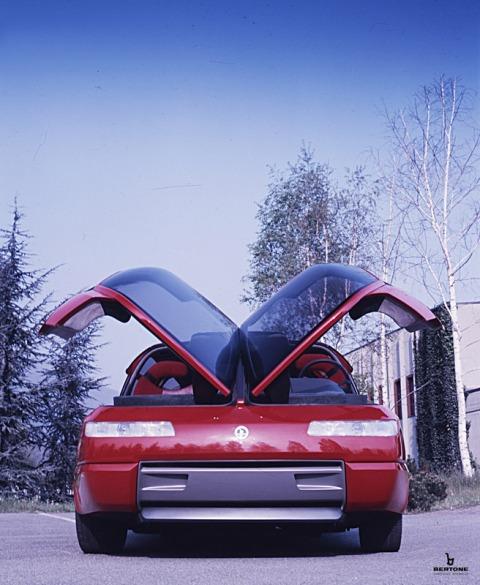 1988_Bertone_Lamborghini_Genesis_04.jpg