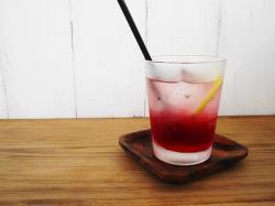 赤紫蘇レモンソーダ