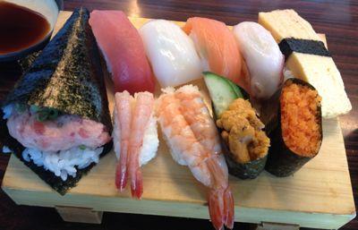 メインのお寿司セット
