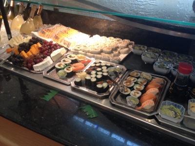 ユナイテッド航空 グローバルファーストラウンジ 朝食時間帯の軽食