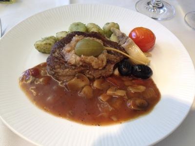 牛フィレ肉のステーキ プロヴァンス風