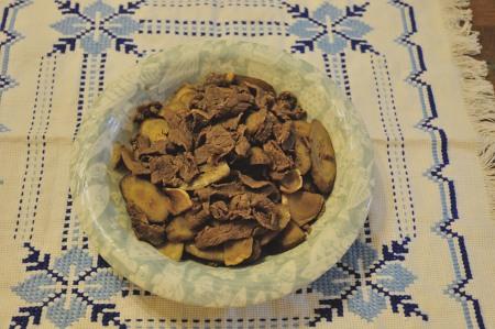 牛肉とごぼうの煮
