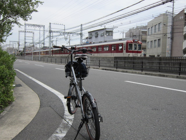 7:48 長瀬から俊徳道のあいだ 近鉄電車と記念撮影(笑)