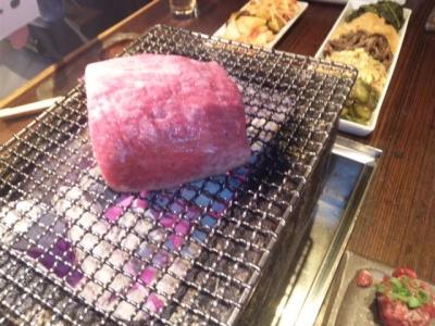 141007焼肉萬野ホルモン舗天王寺肉食縁会コース5000円飲み放題付き和牛塊肉の豪快焼き