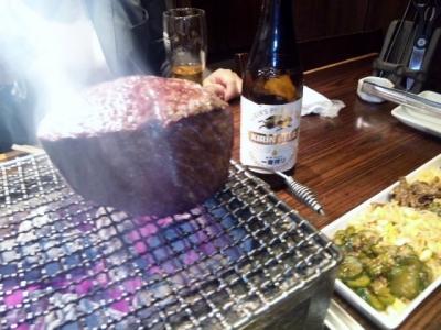 141007焼肉萬野ホルモン舗天王寺肉食縁会コース5000円飲み放題付き和牛塊肉の豪快焼き完了