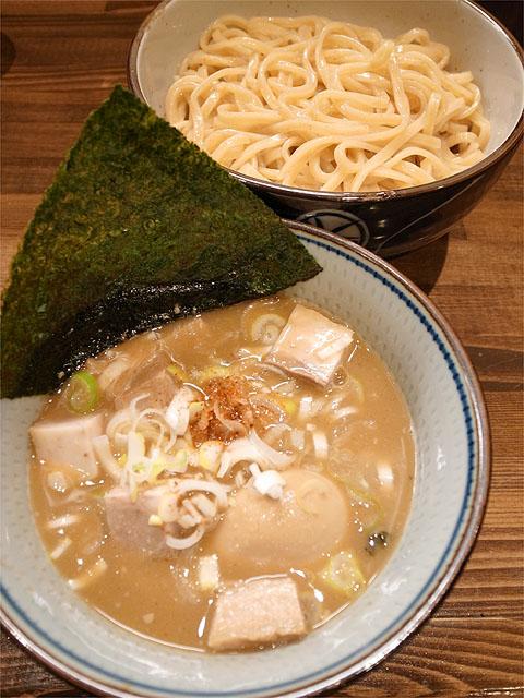 120412もり田-豚骨肉入りつけ麺