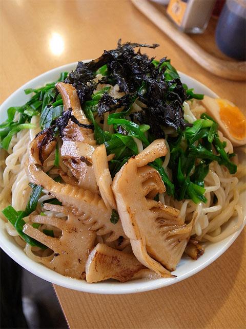 1204121麻麻-ニラ海苔つけ麺・麺