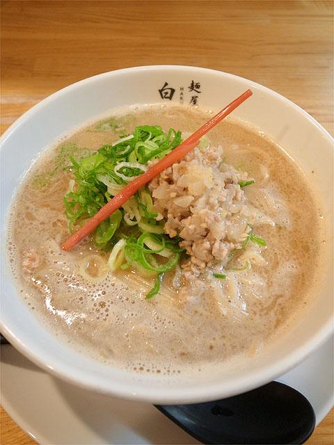 120729二代目-白たまり豚骨生姜麺