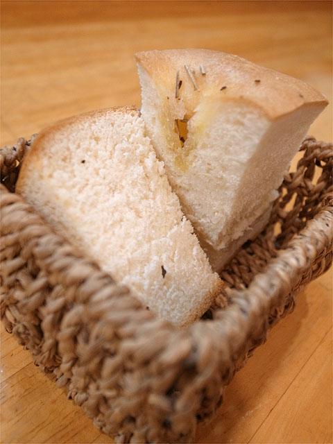 120810ロザリエッタ-自家製パン