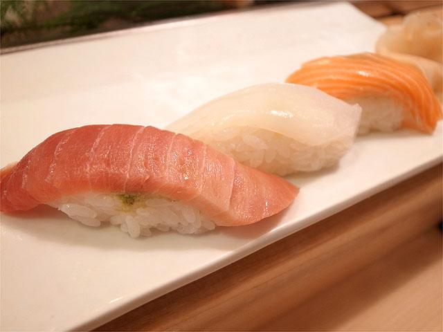 120825寿司清-中トロ・いか・サーモン