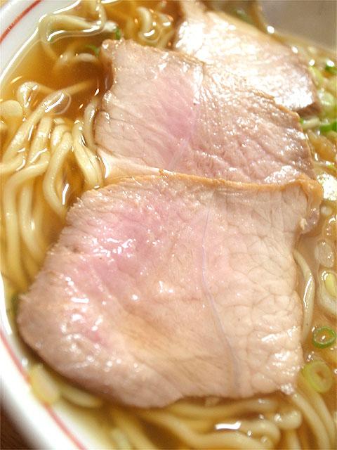 120818一八食堂-天ぷら入中華そば・チャーシュー