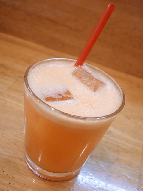 120215ロザ-生搾りジュース