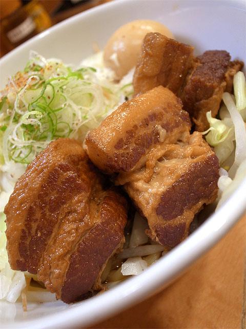 120929拉ノ刻岐阜-豚の角煮まぜそば・角煮