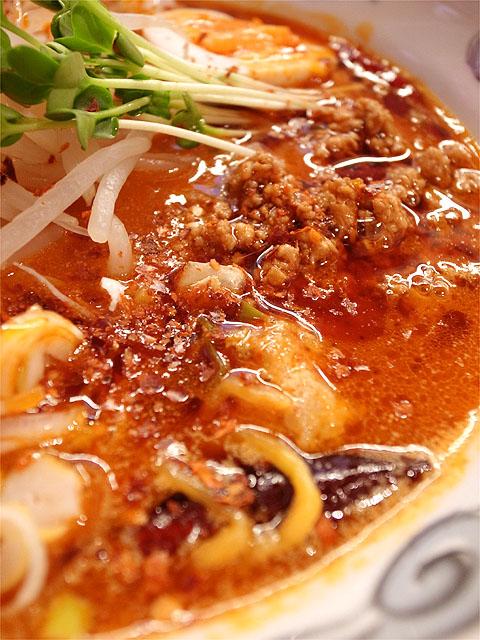 121206ドラゴンジャッキー-怒りの激辛鶏担々麺・辣油
