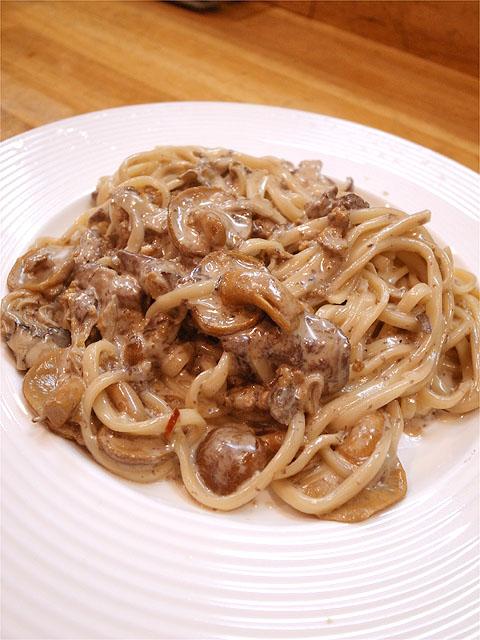 121123ロザリエッタ-猪口と原木なめこと原木椎茸と舞茸のラグーのクリームソース
