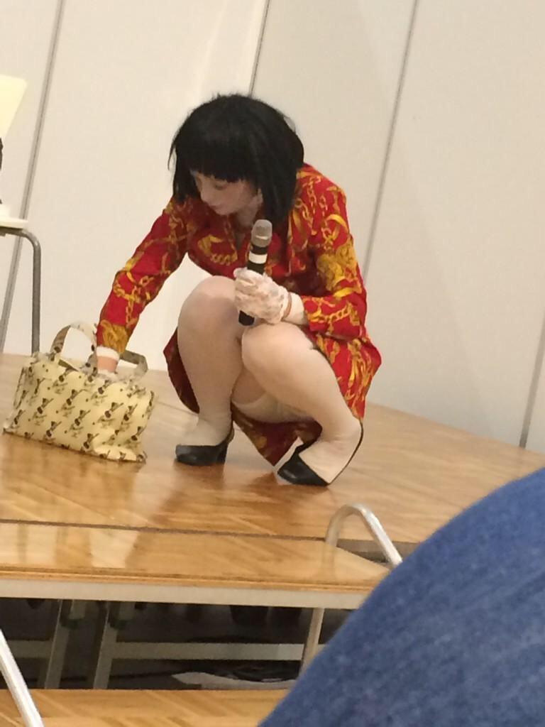 日本エレキテル連合・未亡人朱美ちゃんのパンチラ