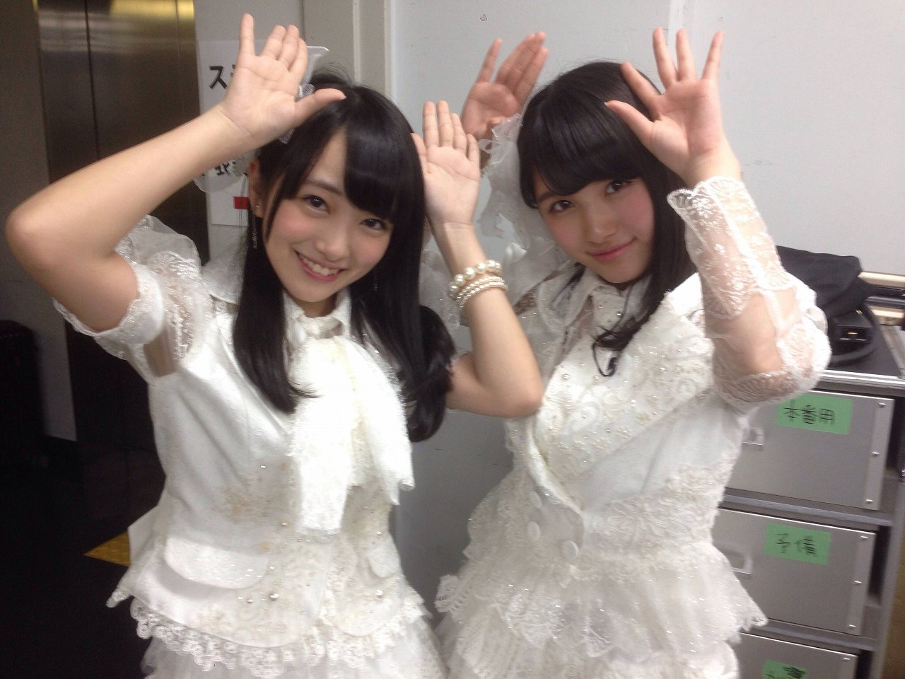AKB48の向井地美音と大和田南那