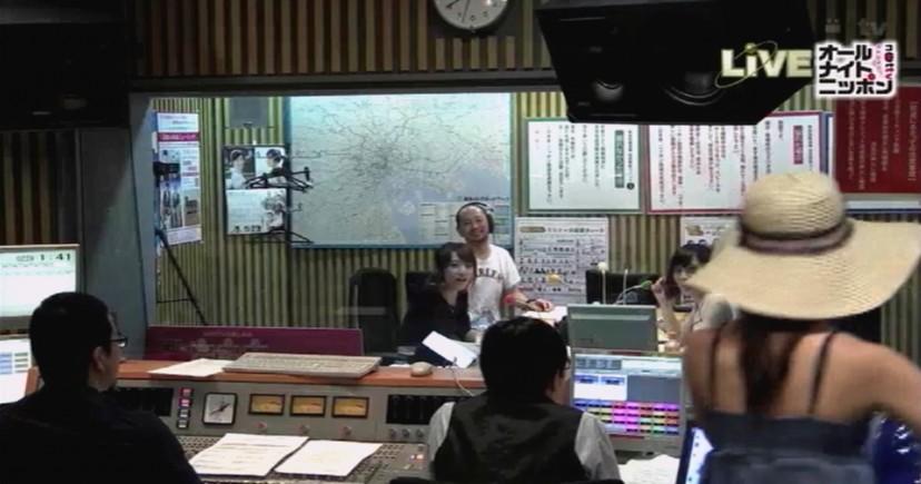 風俗嬢の様な衣装でオールナイトニッポンに出演した小嶋陽菜