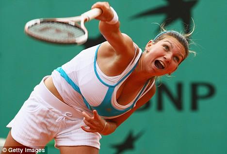 巨乳過ぎるテニスプレーヤー、シモーナ・アレ