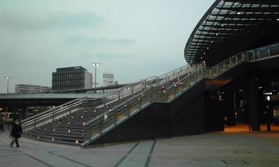 階段と屋根110225_1746~01