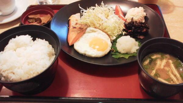 七種の和朝食