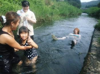 川のある夏休みWEB
