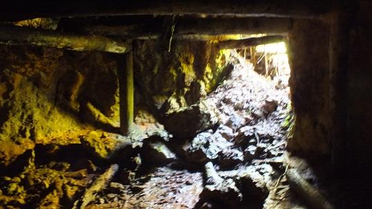 神恵内鉱10m鉱 (3)入り