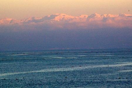 日本海の向こう側に立山連峰