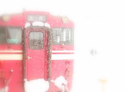 JR氷見線運休 大雪
