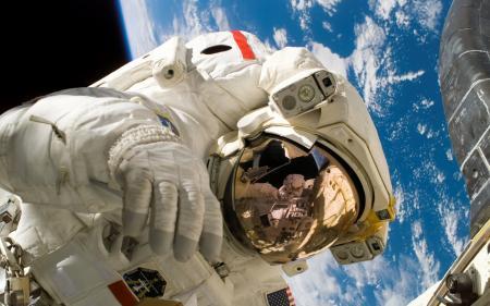 space-walk-1920x1200_convert_20120626231937.jpg