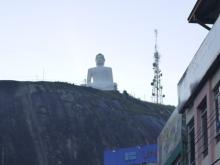 うちなんちゅ IN クルネーガラ-白い仏像