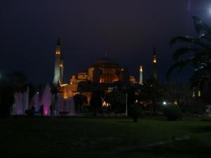 夜のアヤソフィア
