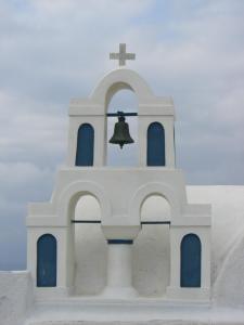 イア 教会の鐘