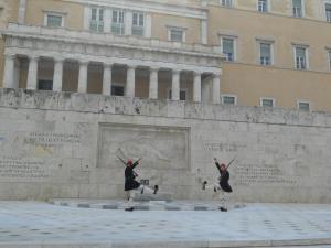 無名戦士の碑の前の衛兵交替式