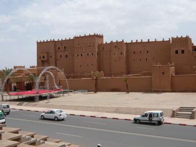 モロッコ・砂漠ツアーのランチ(1日目)4