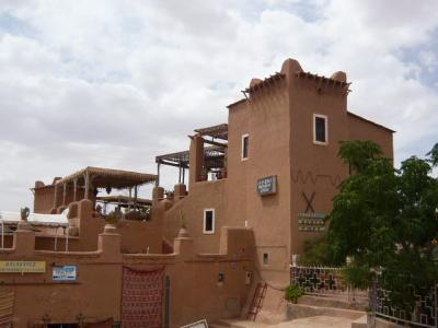 モロッコ・砂漠ツアーのランチ(1日目)2