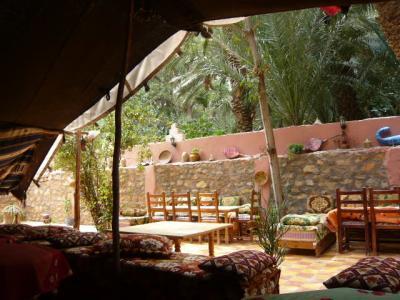 モロッコ・砂漠ツアーのランチ(2日目)9