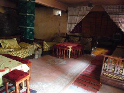 モロッコ・砂漠ツアーのランチ(2日目)5
