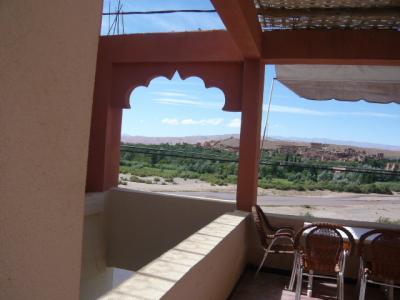 モロッコ・砂漠ツアーのランチ(3日目)