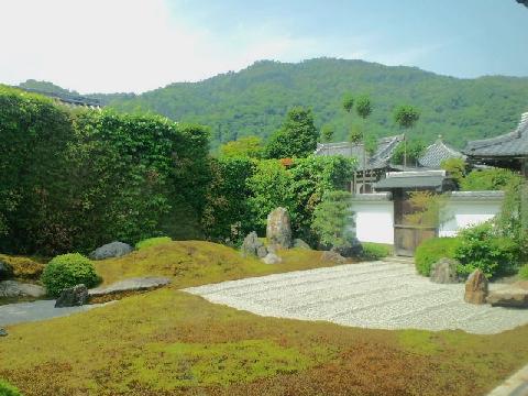 弘源寺・嵐山を借景に
